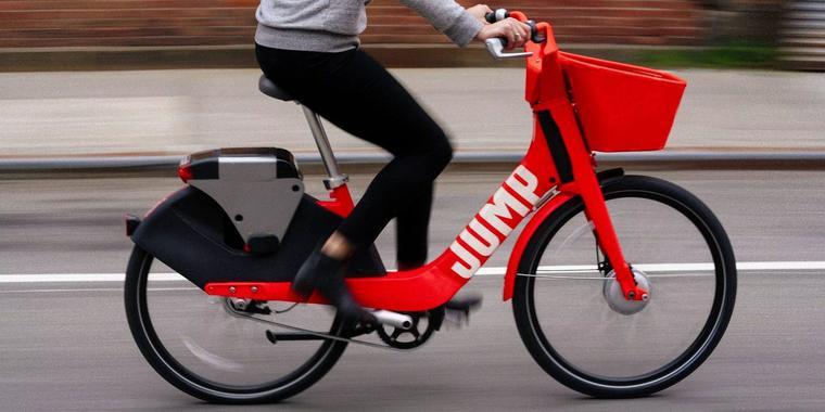 Binnen drie jaar moet minimaal kwart van agenten naar het werk fietsen