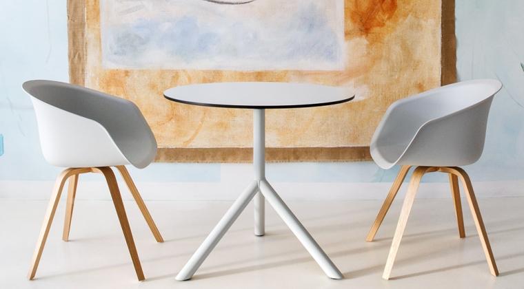 Circulaire Bucket Chair te zien op design meubelbeurs Object