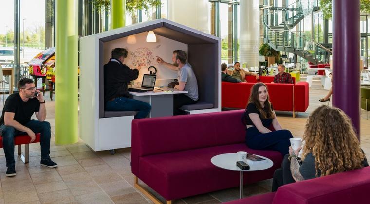 Maak gepaste ruimtes voor introverte, extraverte en neurodiverse mensen