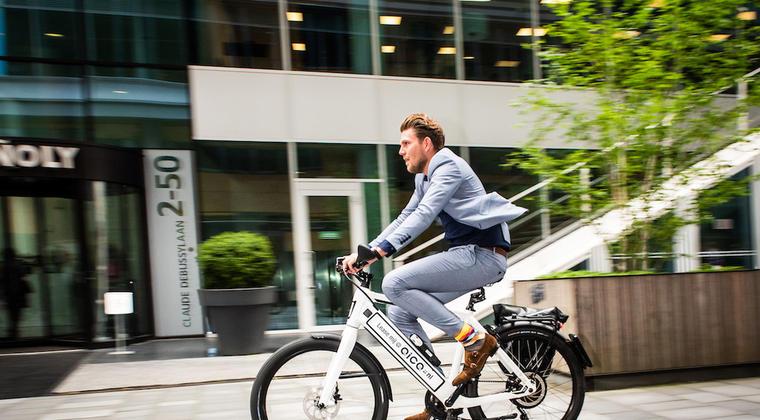 Medewerkers Accenture testen e-bikes voor zakelijk verkeer