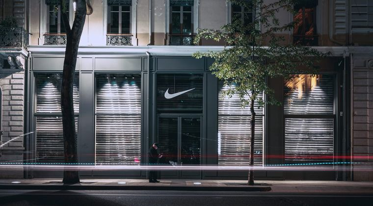 Nike geeft medewerkers hoofdkantoor week vrij