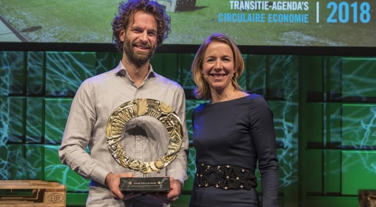 Recycler van mobiele telefoon wint Circular Award 2018