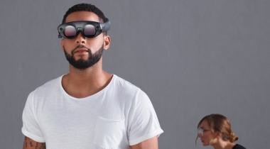 Augmented reality wearable topper in 2018