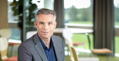 Jan Gerard Hoendervanger promoveert op flexkantoor